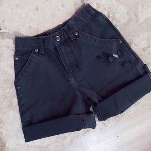 • vintage distressed heavyweight denim shorts •
